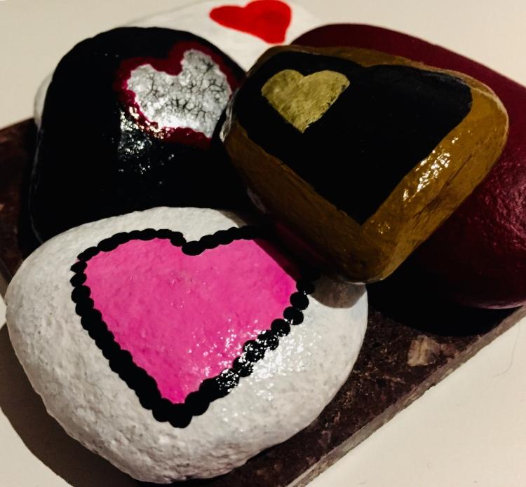 heart pebbles